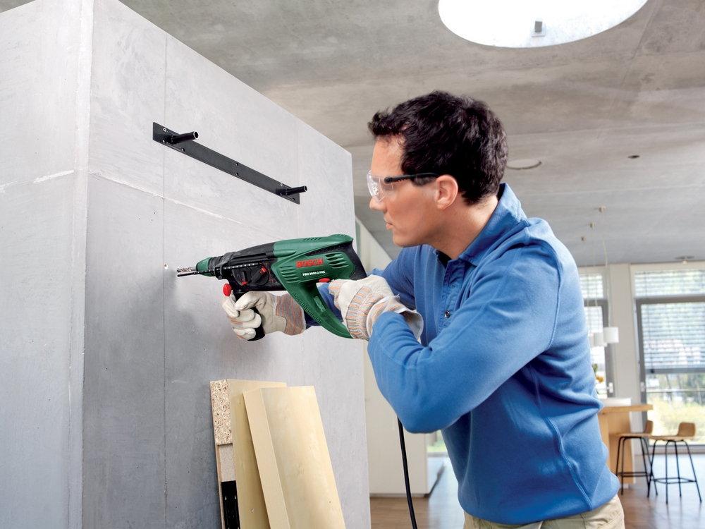 Как-повесить-шкаф-на-гипсокартонную-стену